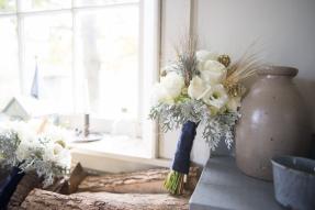 Veil & Tie Expo Bouquet